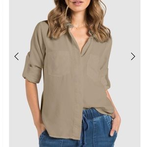 NWOT Bella Dahl Shirt